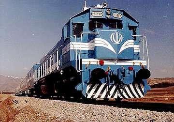 عزم مدیران بانکی جهت سرمایهگذاری در صنعت حملونقل ریلی/ راهآهن سریعالسیر تهران- قم- اصفهان تکمیل میشود/ تصویب احداث ۱۶۲ کیلومتر قطار حومهای