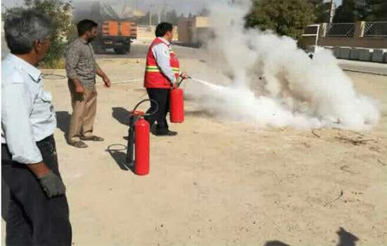 دوره ی آموزشی استفاده از خاموش کننده های دستی آتش نشاني
