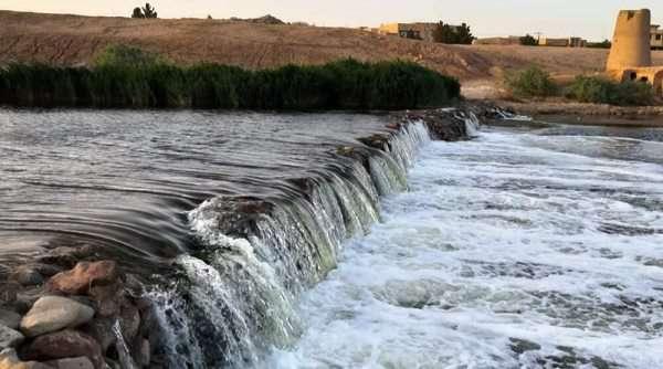 رهاسازی آب از سد رودشتین به سمت تالاب بینالمللی گاوخونی