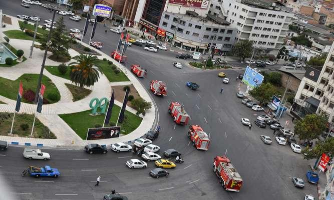 مانور خودرویی آتش نشانی ساری به مناسبت روز آتش نشانی و ایمنی انجام شد