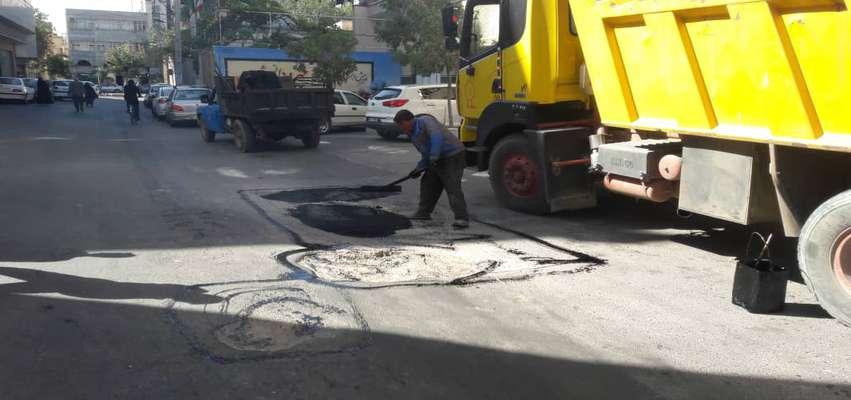 آسفالت ریزی و لگه گیری خیابان دمشقیه
