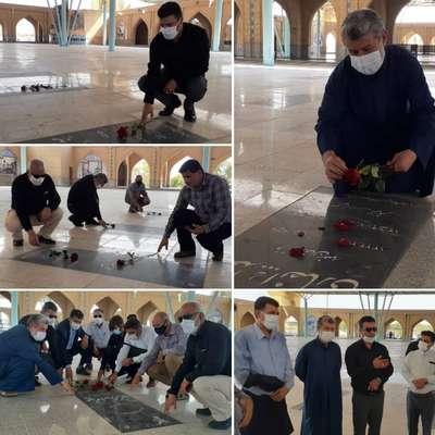 منصور علوانی سرپرست شهرداری خرمشهر با شهدای هشت سال دفاع مقدس تجدید میثاق کرد