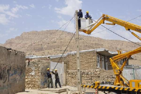 مجری برق روستایی شرکت توزیع نیروی برق کهگیلویه و بویراحمد: 66 خانوار روستایی بویراحمدی از نعمت برق پایدار برخوردار شدند