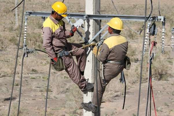 همزمان با روز روستا و عشایر: برق رسانی به 38 خانوار چرامی در سه روستا