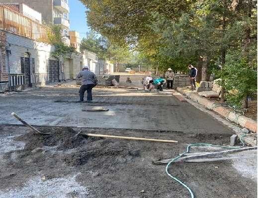اجرای عملیات احداث سنگ فرش در کوی البرز محله شنب غازان