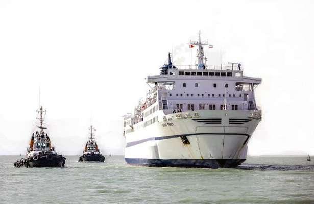 سفر دریایی به قطر، عمان و استرالیا روی میز