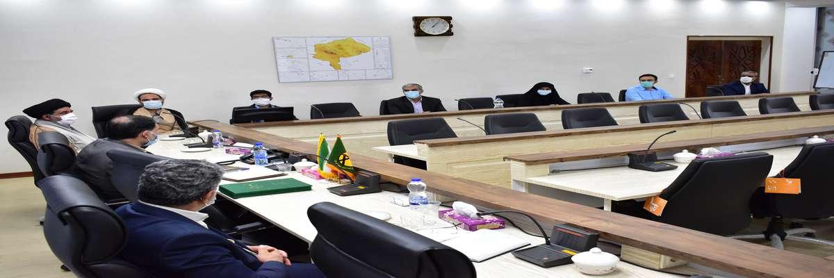 امضای تفاهمنامه اجرای برنامههای اقامه نماز در برق منطقهای یزد