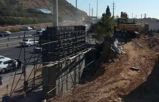 آزادسازی مسیر رمپ جنوبی پروژه پل اتصال پارکینگ عون بن علی به طرف میدان شهید فهمیده