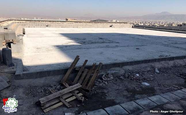اتمام بتنریزی کف محل زمین ورزشی چندمنظوره پارک سفیر امید