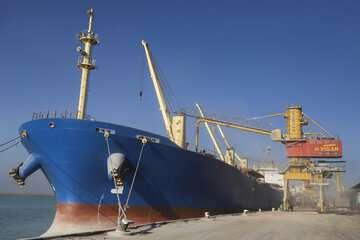 تحویل۱۴۰ هزار تن سوخت کم سولفور به کشتیرانی جمهوری اسلامی