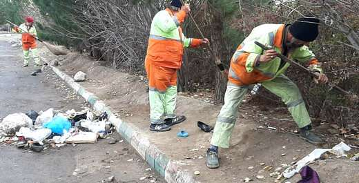 پاکسازی خیابانهای پارک بزرگ توسط عوامل خدماتی