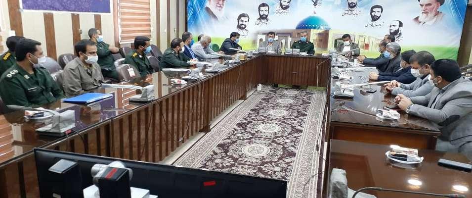 منصور علوانی سرپرست شهرداری خرمشهر به همراه اعضا شورای شهر با فرمانده سپاه دیدار کرد