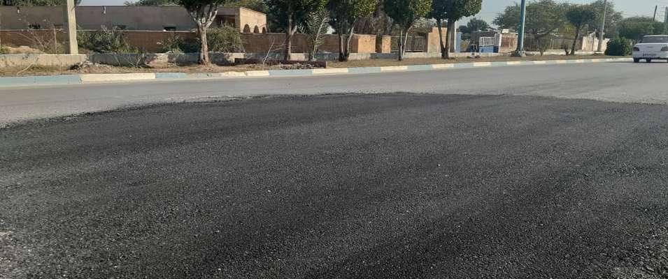 بلوار ایران زمین توسط شهرداری خرمشهر لکه گیری آسفالت شد