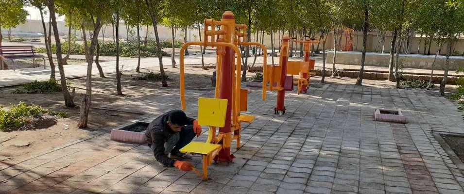 وسایل ورزشی و مبلمان شهری پارک بانوان خرمشهر بهسازی و رنگ آمیزی شدند