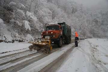 تمامی جادههای کوهستانی مازندران برفی شد