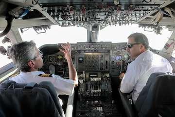 کاهش دید ناشی از گردوخاک مانع فرود پروازها در فرودگاه بندرعباس شد/ مسافران قبل از خروج از منزل، از وضعیت پروازها اطلاع کسب کنند