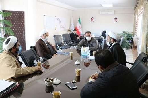 عملکرد و برنامههای شهرداری منطقه ۵ در حوزه نماز بررسی شد