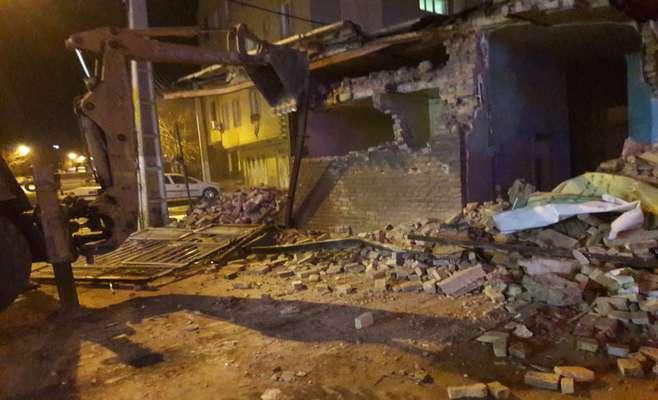 تخریب املاک باقی مانده در مسیرگشاییخیابان رضا نژاد