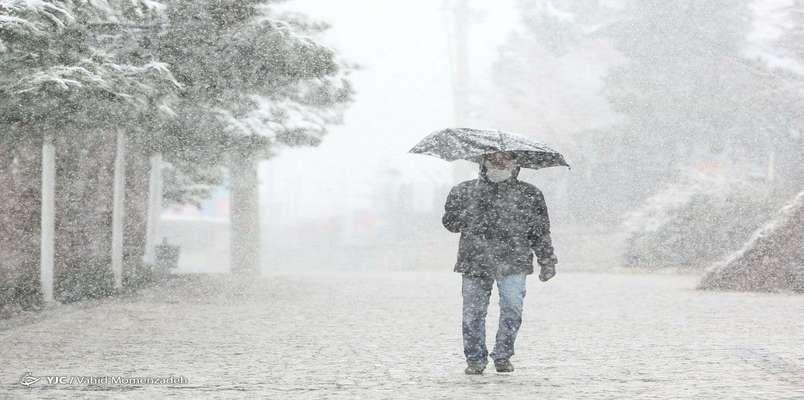 آماده باش راهدارخانههای سراسر کشور/ بارش ۲۵ سانتی متری برف در مسیرهای شمالی
