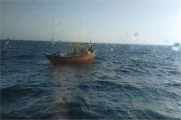 ۶ سرنشین شناور صیادی در بندر چابهار نجات یافتند