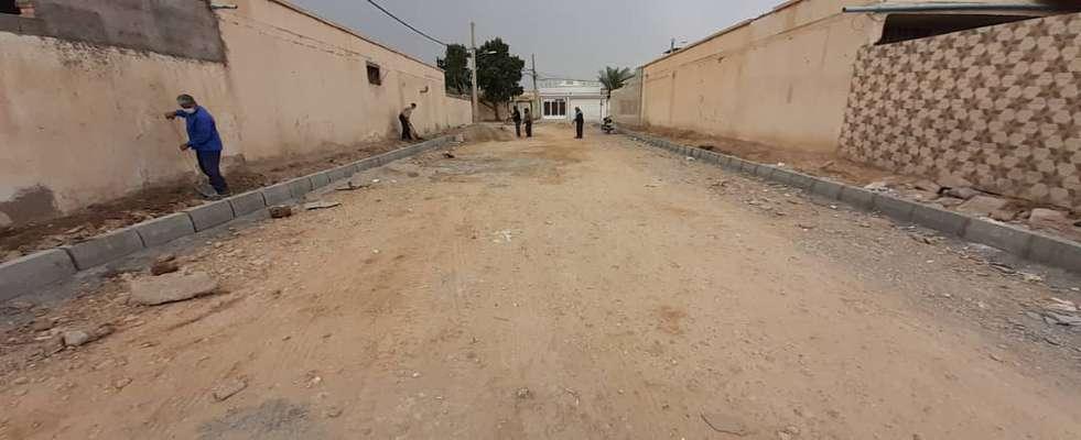 معابر کوی ارمغان جهت احداث پیاده رو توسط شهرداری خرمشهر آماده سازی شدند