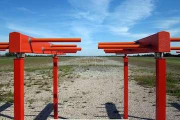 آغاز نصب سامانه ILS فرودگاه ساری/ حداقل دید فرود به ۸۰۰ متر کاهش مییابد