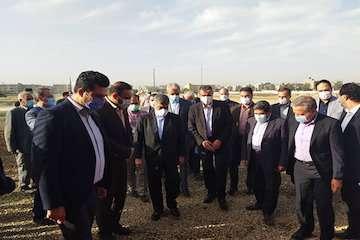برگزاری مراسم کلنگ زنی پروژه ۱۰۰۰ واحدی مسکونی – خدماتی یاس سفید با حضور وزیر راه و شهرسازی