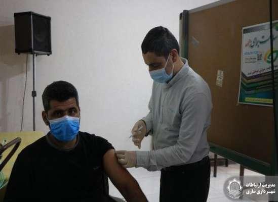 اجرای مرحله دوم واکسیناسیون کارکنان سازمان مدیریت آرامستان ها در برابر ویروس کرونا