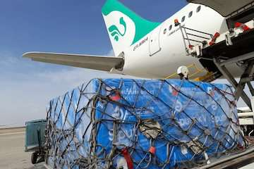 تمام ظرفیت فرودگاه در خدمت مبارزه با کروناست / ورود بیش از ۱۰۰۰ تن ملزومات مقابله با کرونا از طریق فرودگاه امام خمینی (ره)