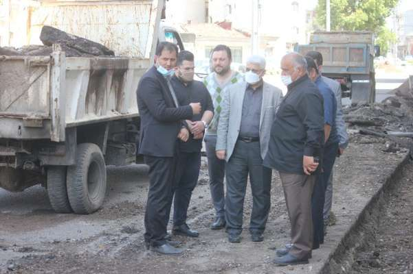 محمدحسن عاقل منش عضو شورای شهر رشت از روند اجرایی دو پروژه شهری بازدید کرد