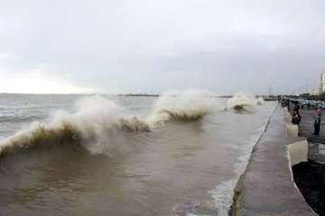 تلاطم دریاهای شمالی و جنوبی/ رگبار، رعدوبرق و وزش بادهای شدید در برخی نقاط کشور