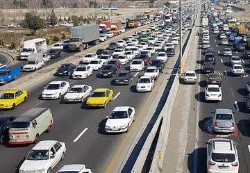 ترافیک سنگین در برخی مقاطع آزادراه کرج- تهران و کرج- قزوین