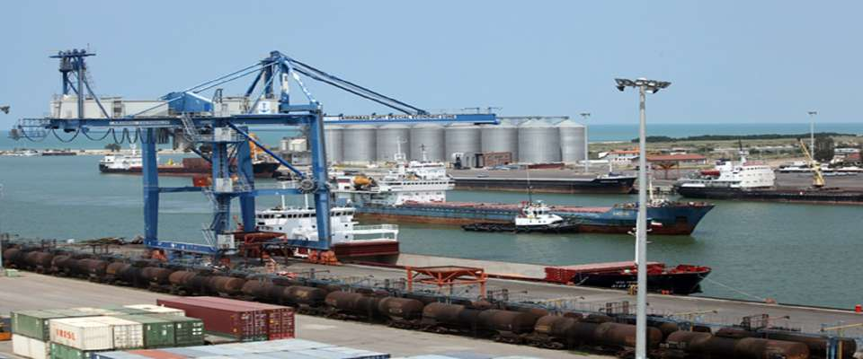 تردد سالانه بیش از ۵۰ هزار کشتی اقیانوس پیما در تنگه هرمز