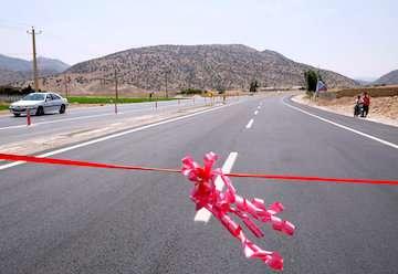 افتتاح پروژه بزرگراهی کنارگذر زارچ-اشکذر در استان یزد