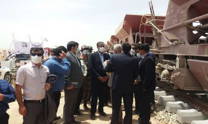 شتابگیری توسعه زیرساختهای راه و مسکن رهاورد سفر وزیر به استان یزد