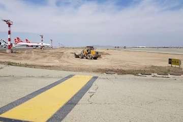 آغاز پروژه اصلاح استریپها و مرمت سطوح پروازی در فرودگاه بین المللی امام خمینی(ره)