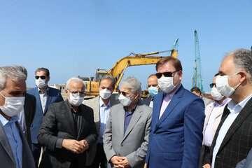 رئیس سازمان برنامه و بودجه از پروژه راه اهن رشت - کاسپین بازدید کرد