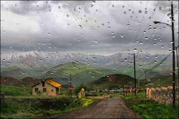 تداوم بارش در تهران و ۱۴ استان کشور/بارشهای رگباری و خیزش گردوخاک در ۴ استان /افزایش ابر و وزش باد در پایتخت