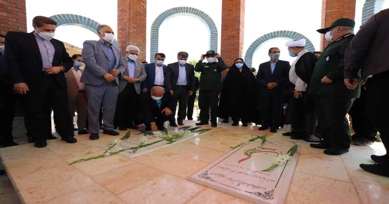گزارش تصویری آئین افتتاح یادمان شهدای گمنام مسکن مهر با حضور رئیس و اعضای شورای اسلامی شهر رشت