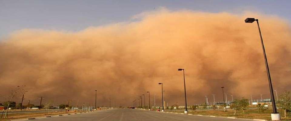 آسمان خوزستان گرد و غباری میشود