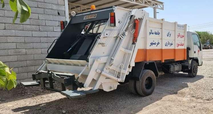 یک دستگاه خودرو مکانیزه حمل زباله به ناوگان خدماتی شهرداری خرمشهر اضافه شد