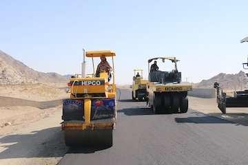 ۹۱۷ کیلومتر بزرگراه تا پایان دولت احداث و بهسازی میشود/ احداث ۶۰ درصد از کل بزرگراههای کشور در دولت یازدهم و دوازدهم