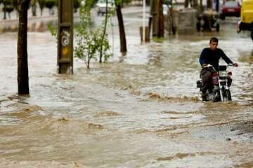 هشدار هواشناسی نسبت به جاری شدن روانآب در مسیلها و معابر ۳ استان