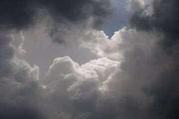 افزایش ابر و بارش پراکنده در بلندیهای البرز مرکزی