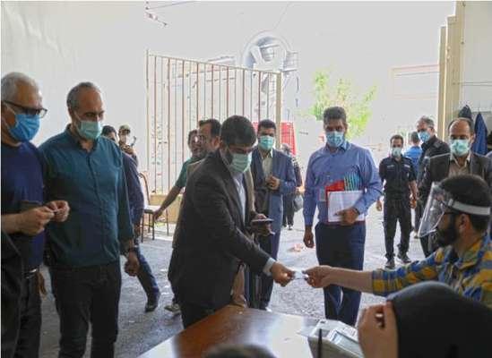 جواد طالبی شهردار ساریرای خود را به صندوق انداخت