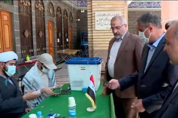 وزیر راه و شهرسازی در حرم حضرت زینب (س) رای داد