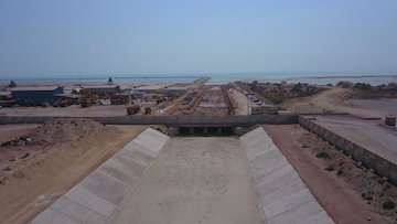 پیشرفت ۹۲درصدی فاز نخست کانال هدایت سیلاب غرب بندر شهیدرجایی/ مدیریت جریان سیلاب در اراضی بالادست بندر