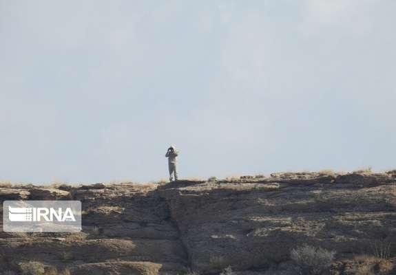 زنجیر خشکسالی و شکار بر پای آهوی ایرانی