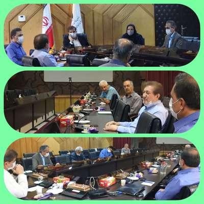 دیدار اعضای جمعیت پیام سبز با مدیرکل حفاظت محیط زیست استان اصفهان