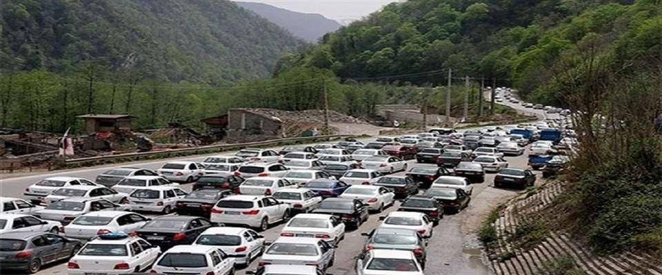ترافیک سنگین در محور کرج - چالوس/ مقاومت مسافران برای رفتن به استان های شمال کشور